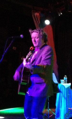 Concert Review: Glenn Tilbrook, Smith's Olde Bar